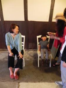 左側の女性が吉田さん。