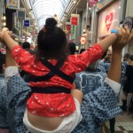 母の肩車~!